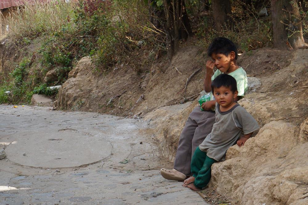 2 petits garçons de Santa Cruz
